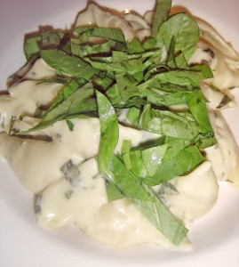 Pasta in Spinach and Feta Cheese Sauce
