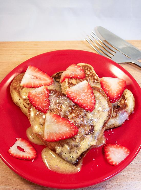 Strawberry Pancakes with Vanilla Sauce