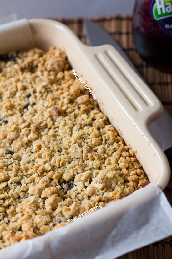 Blackcurrant Oatmeal Cookie Bars