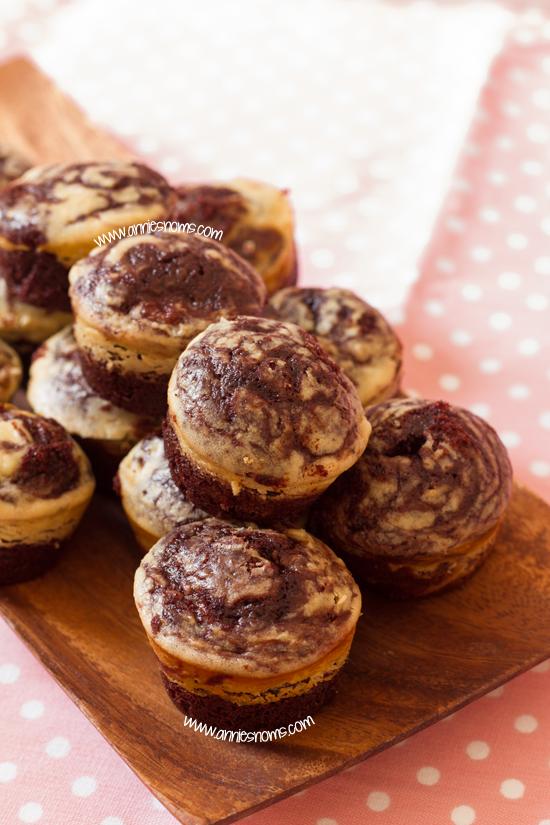 Skinny Cheesecake Brownie Bites
