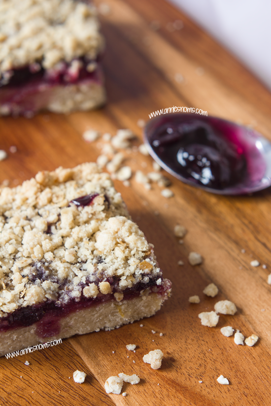 Blueberry and Lemon Shortbread Crumble Bars