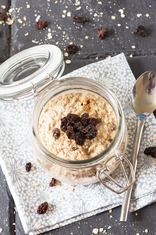 Cinnamon Raisin Overnight Oats | Annie's Noms - These cinnamon raisin overnight oats are full of flavour and so easy to make, no cooking required! Spicy cinnamon and juicy raisins compliment the earthy oats, made creamy by some natural yoghurt and milk - the perfect way to start your day!
