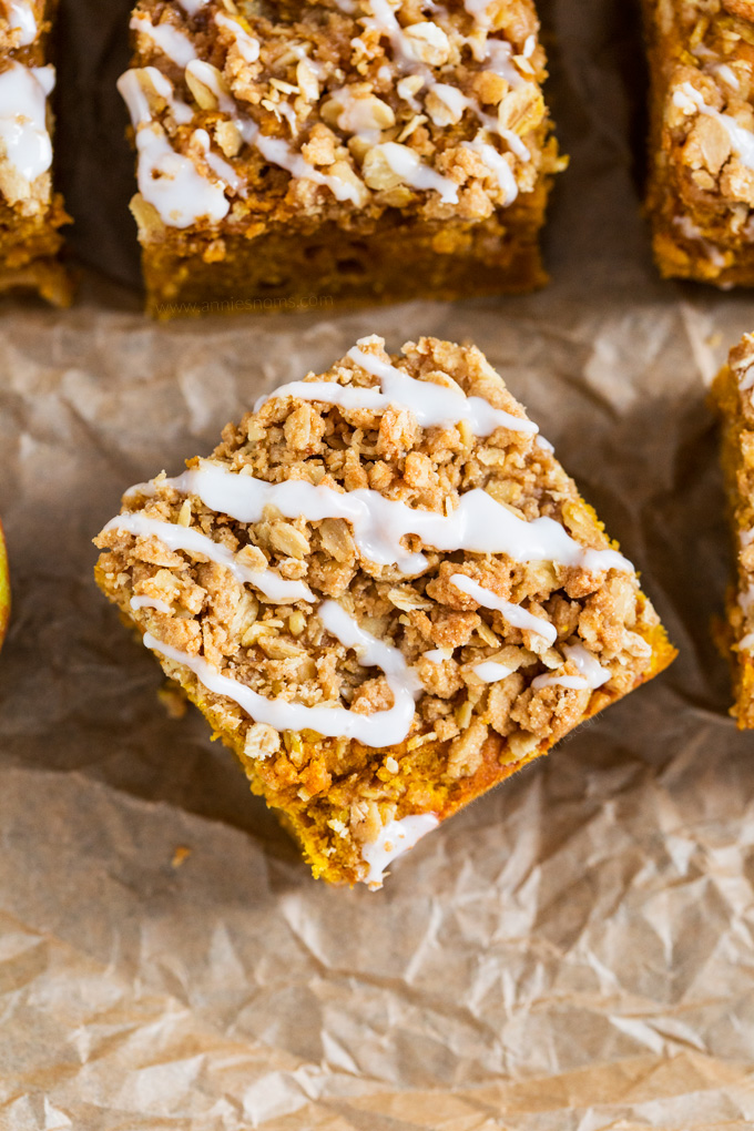This Pumpkin Apple Coffee Cake is soft, spicy and filled with chunks of tender apple. The perfect accompaniment to your afternoon coffee, that crunchy top really takes it to another level!