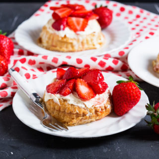 Mini Strawberry and Clotted Cream Tarts