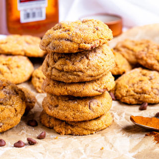 Snickerdoodles get a flavour boost with pumpkin, spices and milk chocolate chips! The perfect Autumnal cookie!