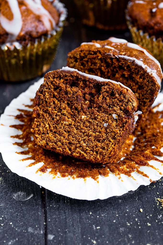 These Pumpkin Gingerbread Muffins are rich, soft and packed full of flavour. Perfect for the Holiday season, enjoy them for breakfast, a snack or just to treat yourself.